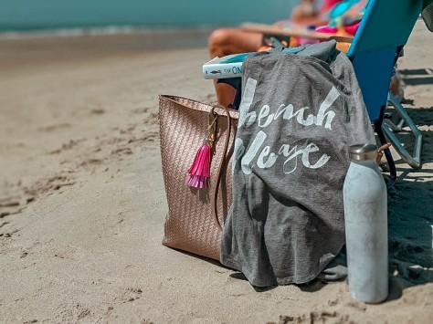 Beach essentials for every #basic gal (mom)